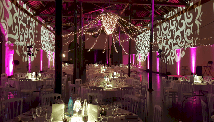 Soirée anniversaire d'entreprise au Croisic avec décoration de salle et lumière