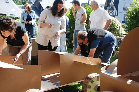 Activité construction voiture carton entreprise
